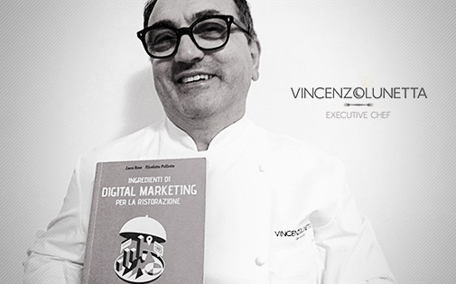 Chef Vincenzo Lunetta con il libro DMR